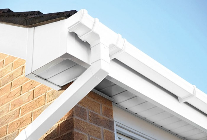 We professionally fit fascias and soffits to properties across Dorset and Hampshire, at low prices with very high customer satisfaction reviews.